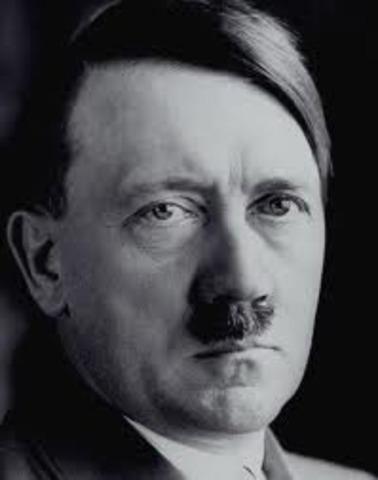 Adolf Hitler asciende al poder en Alemania.