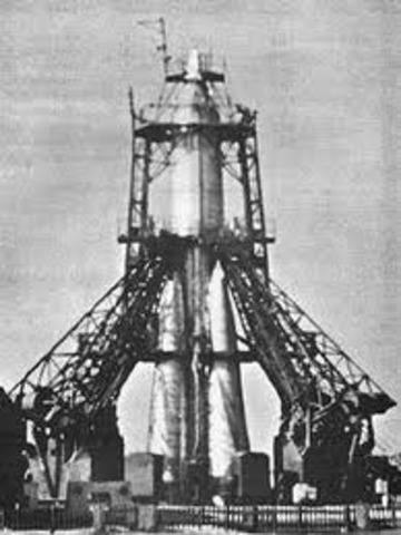 Premier satellite
