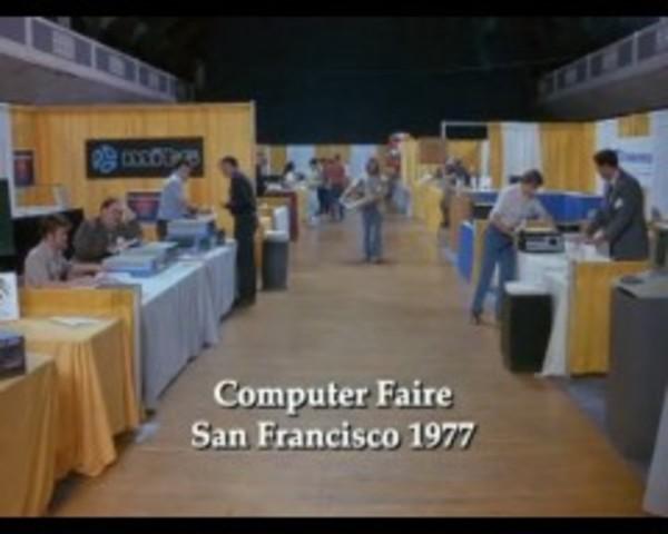 Jobs es la atraccion principal en una Feria de computadores