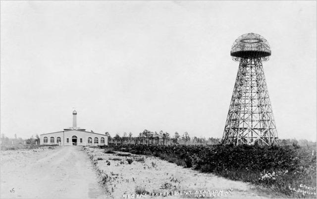 Tesla y Wardencliff Tower.