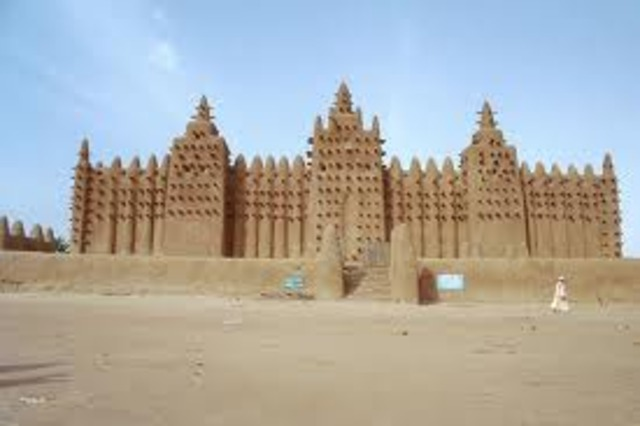 The town ofTimbuktuin the West African nation of Mali became an Islamic centre of learning with students coming from as far away as the Middle East.