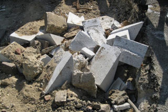 в Алуште разбито надгробие мусульманского праведника Азиз Девлетли Баба