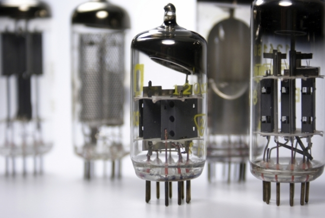 Desarrolo compartido del transistor