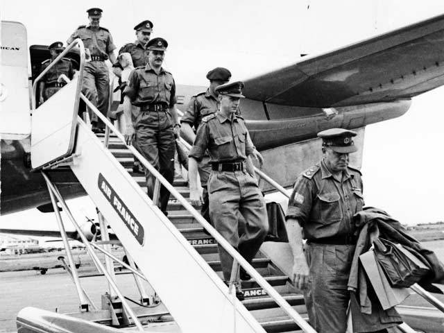 Army Advisers arrive in South Vietnam
