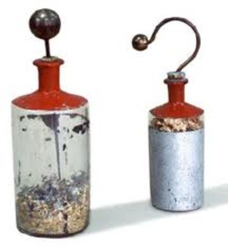 Primer prototipo de condensador electrico 1745 d.C