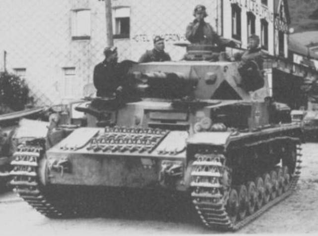 Chapter 17 Section 2: Blitzkrieg