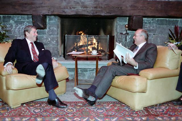 Reagan and Gorbachev Meet in Switzerland
