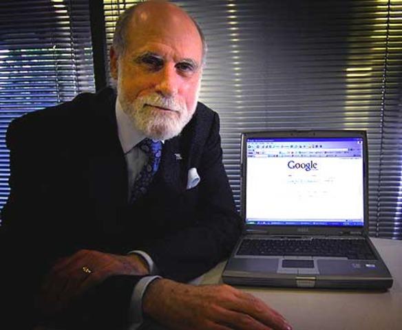 VintCerf Primer presidente de la internet con Bob Kahn.