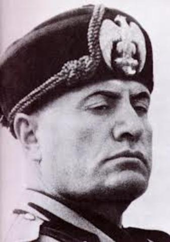 Mussolini take power