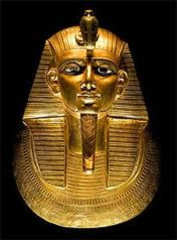 The Tomb of Pharoh Psusennes is found