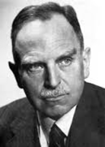 Otto Hahn Recieves Nobel Prize in Chemistry