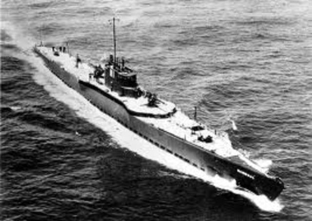 Germany begins unrestriced submarine warfare