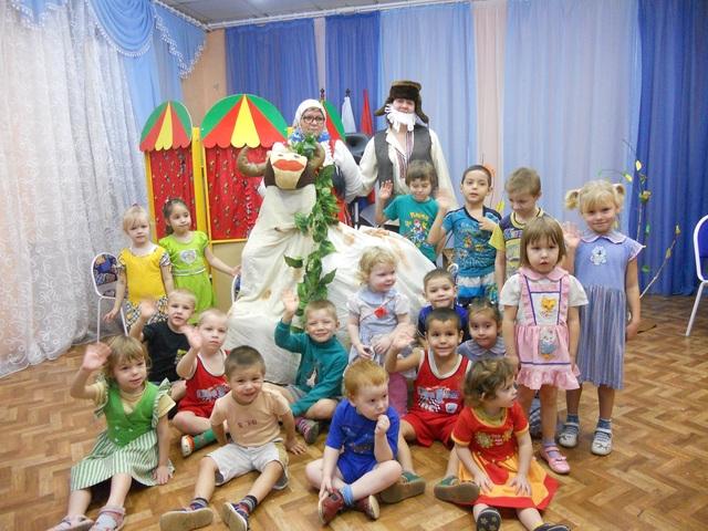 Театральное представление по сказке «Бабушкино молоко»(Реабилитационный центр для детей подростков с ОВЗ  «Светлячок»)