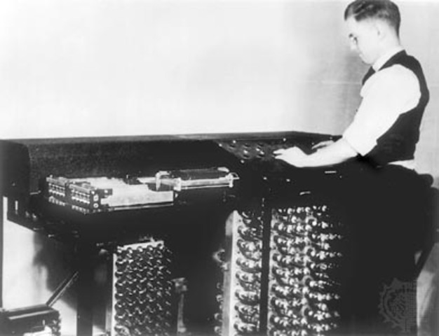 Electric Digital Computer Invented