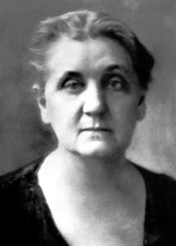 Jane Addams founds Hull House in Chicago