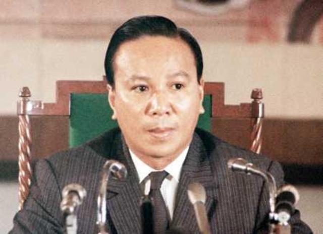 Nguyễn Văn Thiệu becomes South Vietnam's President