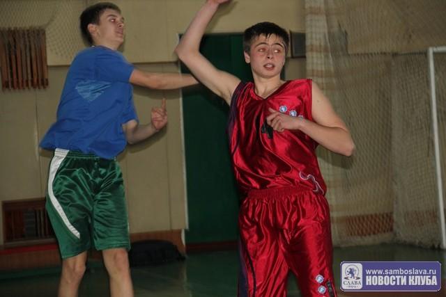 Определены финалисты первенства города по баскетболу