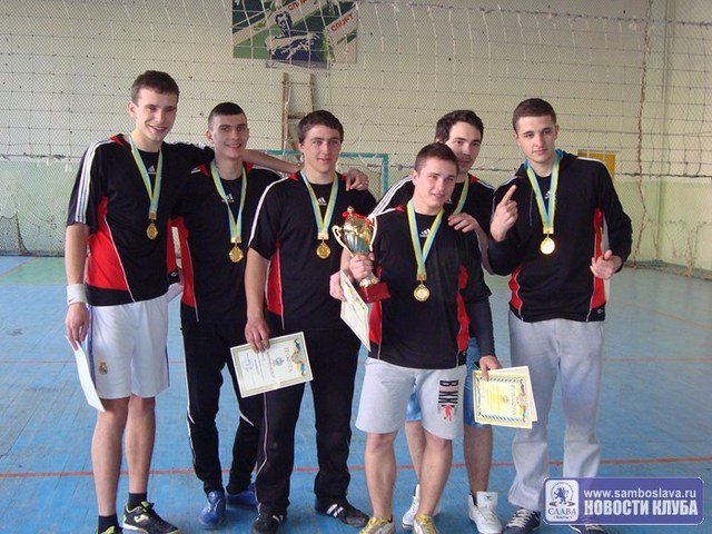 В Керчи завершился турнир по волейболу