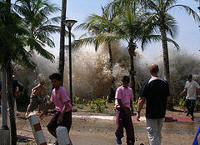 Tsunami afecta naciones en Asia