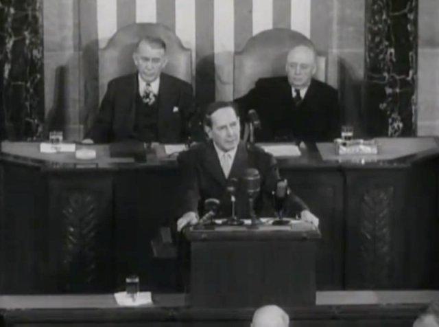 MacAthur Adresses Congress