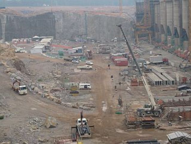 The Construction boom ends