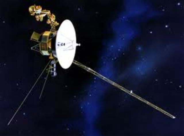 Voyager 1 Probe is launched, Voyager 2 soon follows