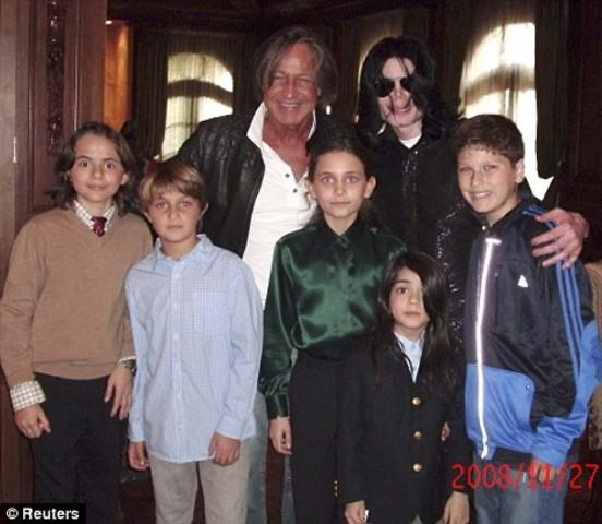 Рождение Принса Майкла Джексона II.