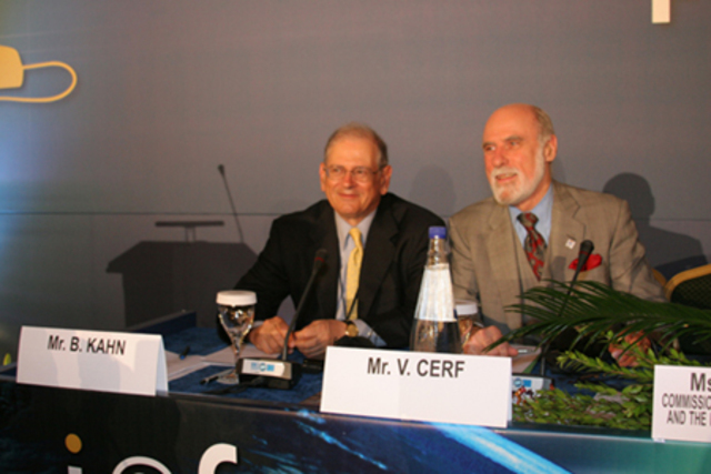 Vinton Cerf, Robert Kahn