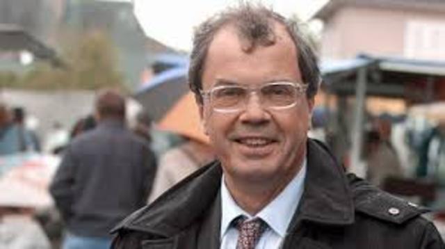 Le député PRG Alain Tourret accuse les cultes de lobbyisme