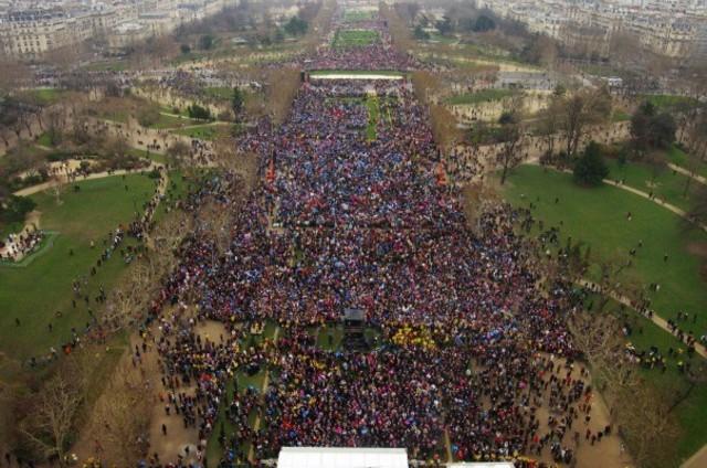 La Manif pour Tous : entre 340 000 et 800 000 personnes dans les rues