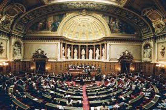 Adoption du texte par la Commission des lois du Sénat