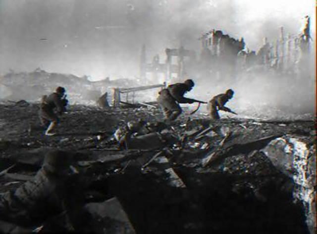 Chapter 18 Section 2 : Battle of Stalingrad