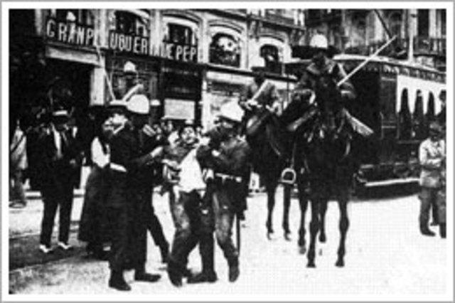 La quiebra de la monarquia (1917-1923).