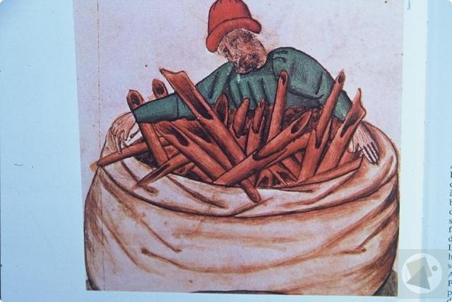 Cinnamon first imported to Egypt, 2000 BC
