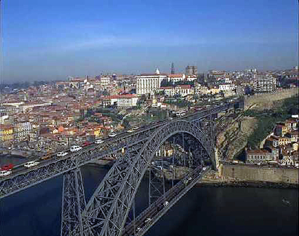 El reino de Portugal entra a formar parte del imperio hispánico.