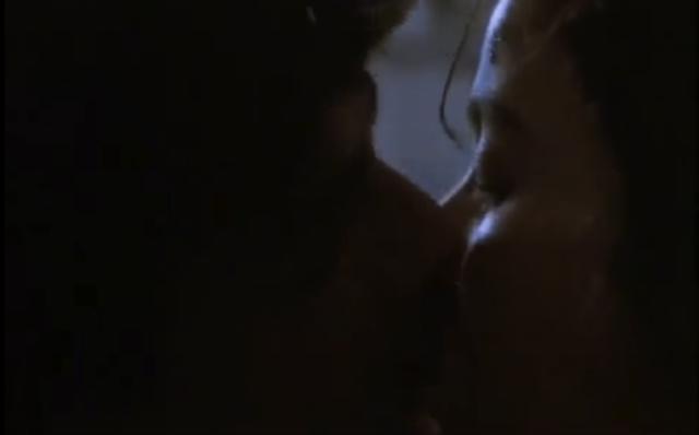 Tita y Pedro se besan