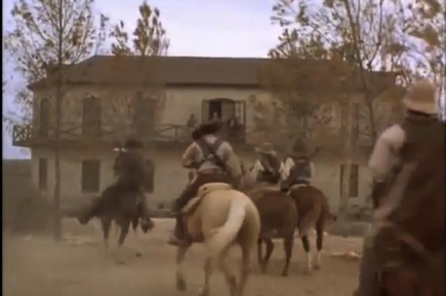Rebeles invaden el rancho