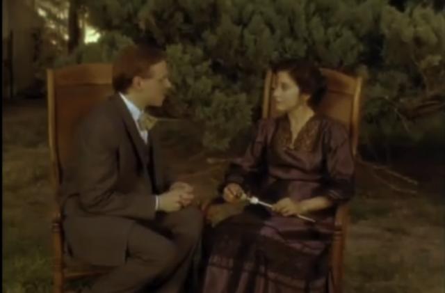 Tita y Doctor Brown se comprometen