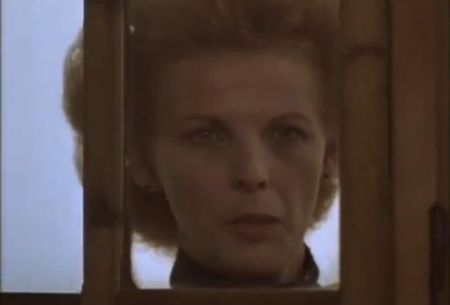 Tita ve el fantasma de su madre