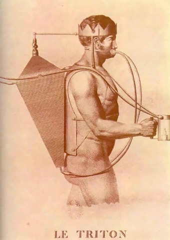 A Frenchman, Sieur Freminet, Invented a rebreathing device.