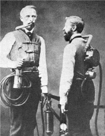 Frenchmen Benoit Rouquayrol and Auguste Denayrouse, patent an apparatus for deep sea diving.