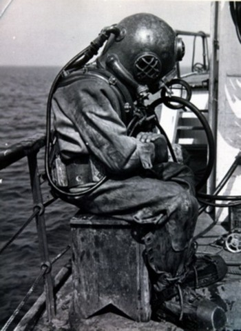 The U.S. Bureau of Construction & Repair first introduces the Mark V Diving Helmet.