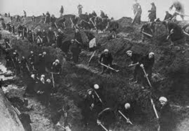 Russians stop Nazi advance at Stalingard save Moscow