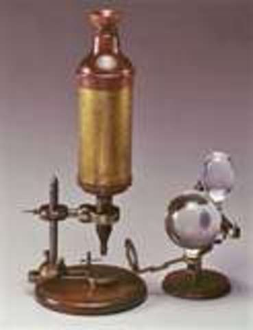 Robert hooke invented the first microscpe