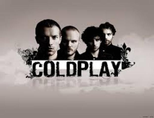 El grupo está integrado por Chris Martin (voz, teclado, guitarra), Jon Buckland (guitarra principal), Guy Berryman (bajo eléctrico) y Will Champion (batería, coros y otros instrumentos).