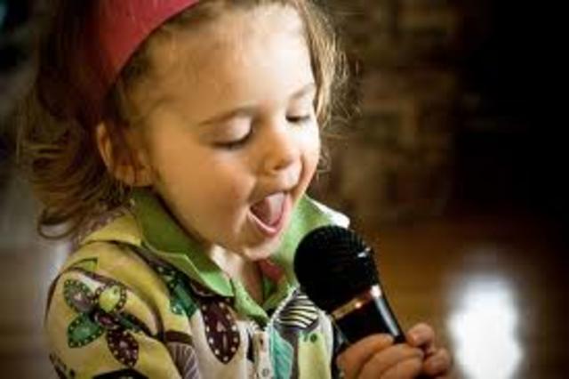 Cuando yo tenía diez años, yo actaba, yo cantaba, y yo bailaba.