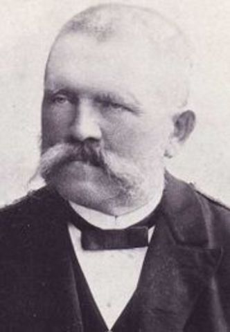 His father, Alois Hitler, dies