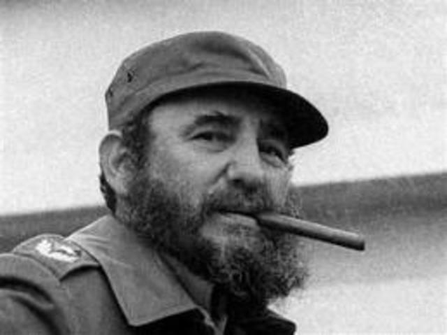 Fidel Castro overthrows Fulgencio Batista