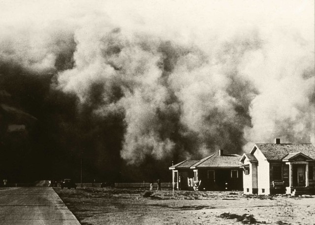 Great Plains Becomes a Dust Bowl