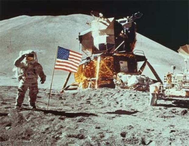 US land on the moon